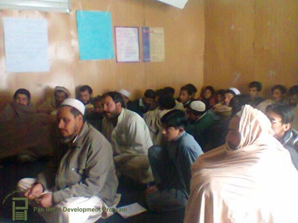 ubaidullah-agri-officer-shangla-imparting-kitchen-gardening-training-5.jpg